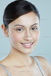 Portrait of young, beautiful woman with glowing skin (CM_100058)